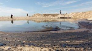 Pipeline Leak causes major Oil Spill in California Beaches